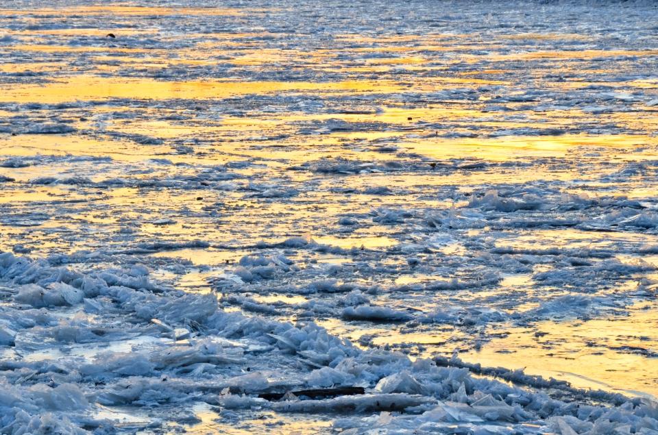 Philadelphia Schuylkill River Frozen